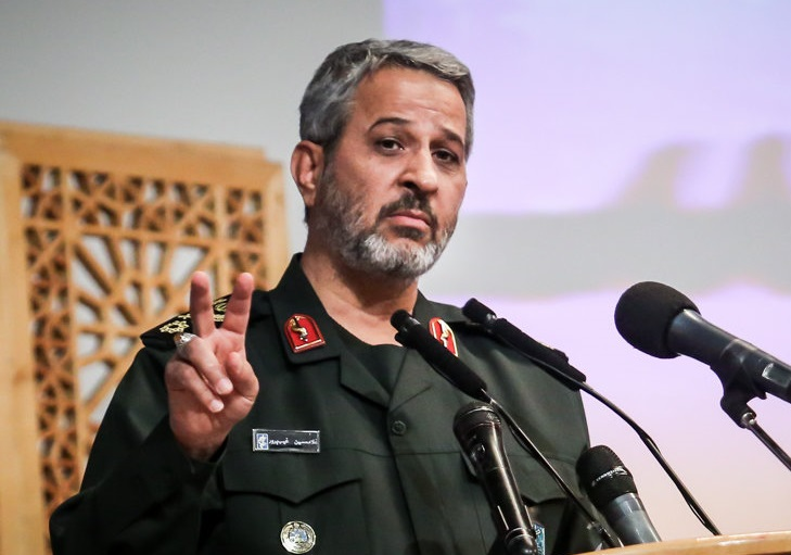 رئیس بسیج: به کسانیکه به سپاه می تازند شک داریم