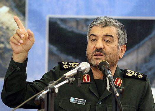 فرمانده سپاه:مردم ایران از موشکهای خود مانند ناموس دفاع می کنند