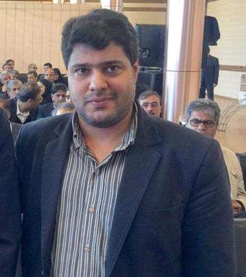 احضارامیر مقدم فعال سیاسی به همراه همسرش