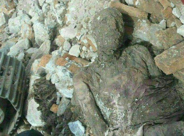 حق شناس:مومیایی کشف شده را دوباره دفن کرده اند