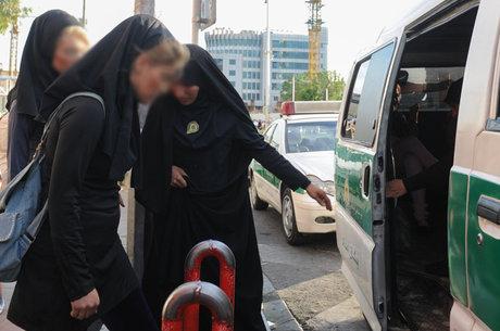 «تعلیق مأمور زن گشت ارشاد صحت ندارد»