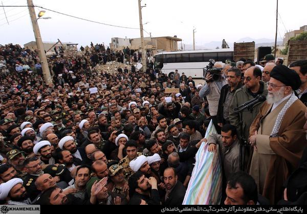 سفر رهبر جمهوری اسلامی به مناطق زلزله زده