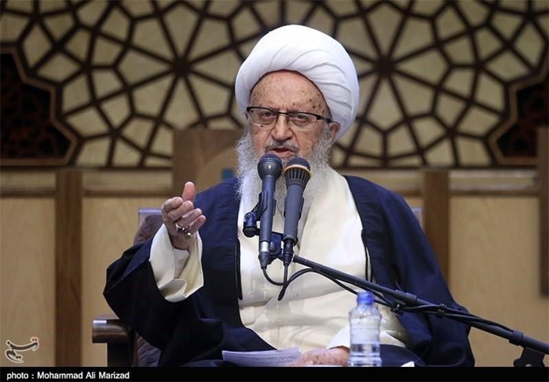 مکارم شیرازی: به دروغ میگویند همه بیکارند