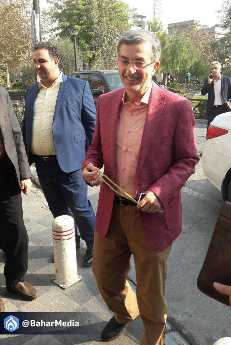 مشایی در دادسرای فرهنگ و رسانه حاضر شد