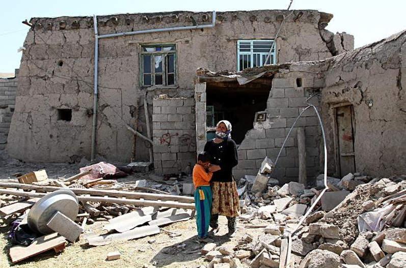 «۱۰۰ نفر در زلزله قطع نخاع شدند»