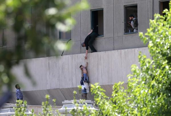 ارائه گزارش کمیته پیگیری حادثه حمله به مجلس