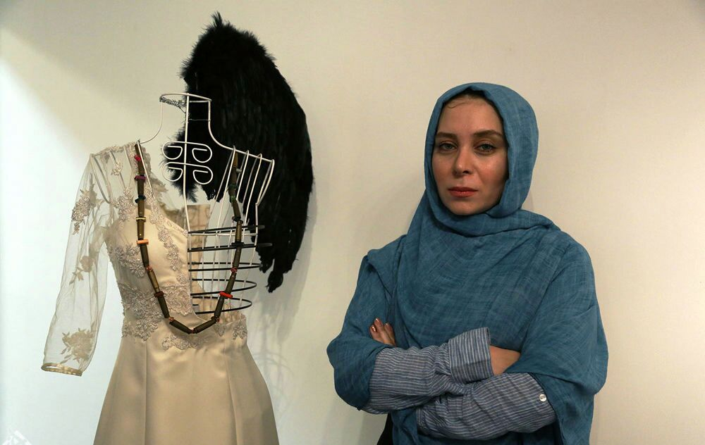 دختر زهرا رهنورد: مادرم رفع حصر نشده است