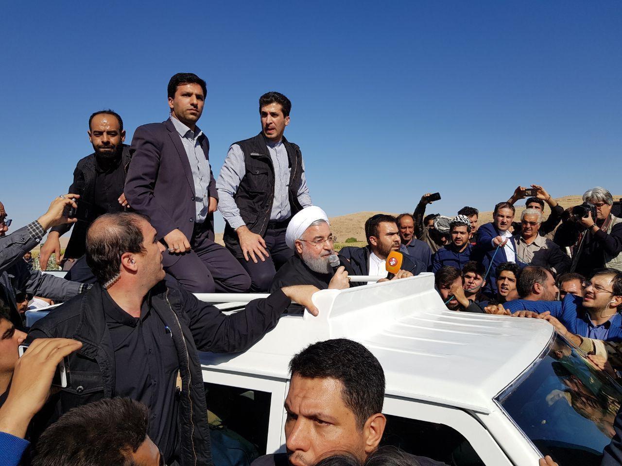 واعظی: روحانی در کرمانشاه از ماشین پیاده شد