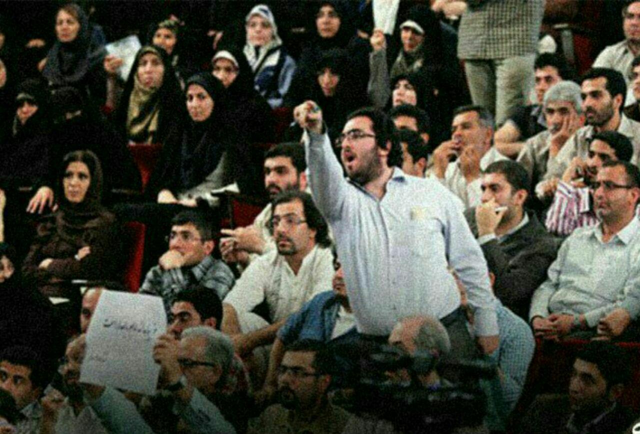 بازداشت یکی از نزدیکان احمدینژاد