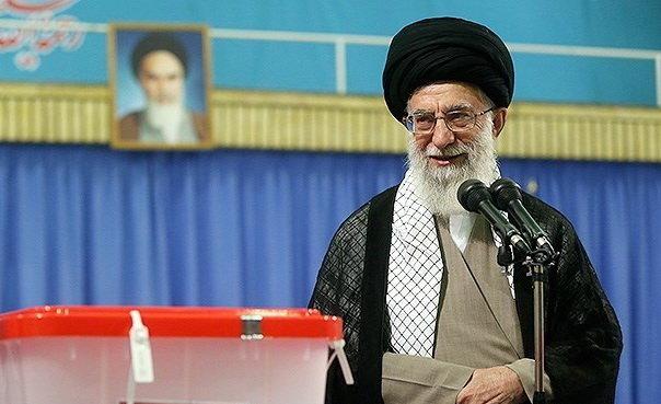خامنهای: مردم هر چه زودتر پای صندوقها بیایند