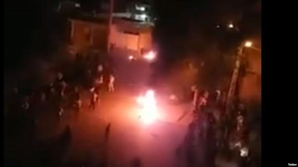 تیراندازی مستقیم به معترضان در کازرون
