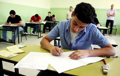 دستگیری عواملی از خرید و فروش سؤالات امتحانی