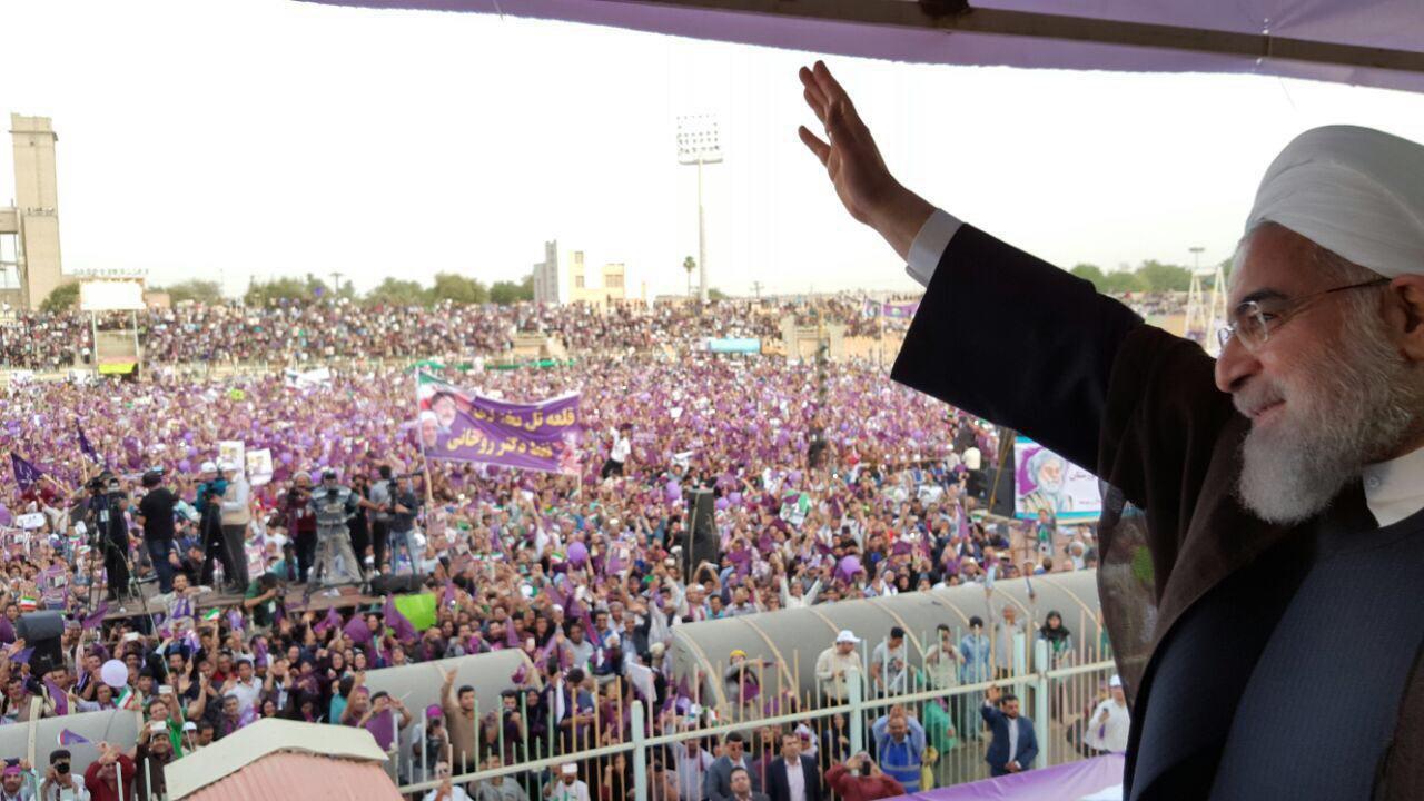روحانی در اهواز: ما در خوزستان قدمهایی برداشتیم اما هنوز راه طولانی در پیش داریم