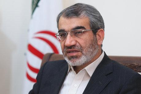 کدخدایی: از طریق الهام به احمدینژاد پیغام دادیم انصراف دهد