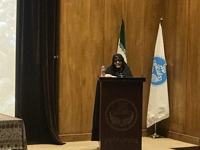 فاطمه کروبی:مسئولین در مورد حصر شفاف صحبت کنند