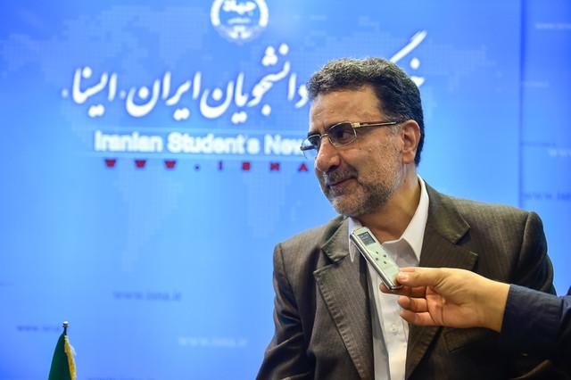 اعلامآمادگی تاجزاده برای مناظره با احمدینژاد