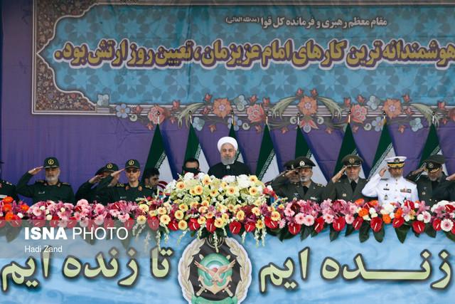 روحانی:ارتش وارد بازی های سیاسی نشده است