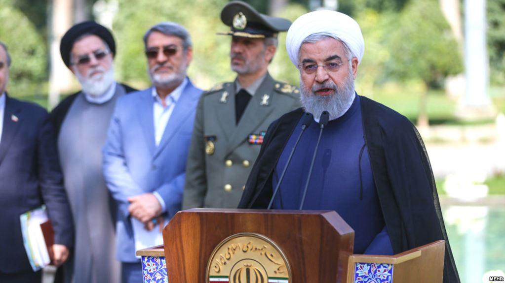 روحانی: بعضی روی اعتراضهای مردم پارازیت میاندازند