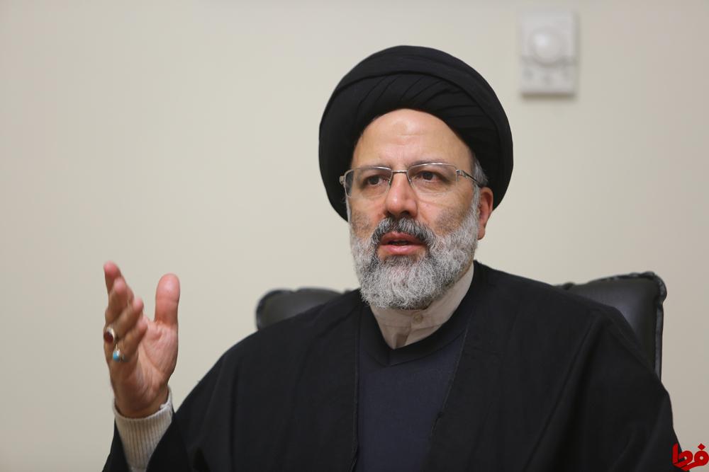 قدردانی رییسی از قالیباف در مصلی تهران