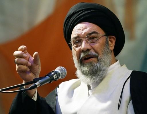 امام جمعه اصفهان: هر زنی باید در خانه قالیبافی و خیاطی کند