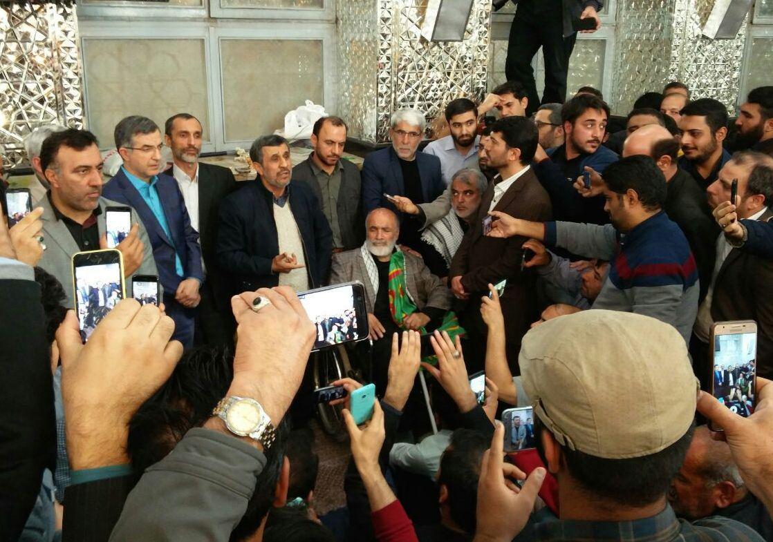 حمله تند احمدینژاد به برادران لاریجانی: ما با این خانواده مخالفیم