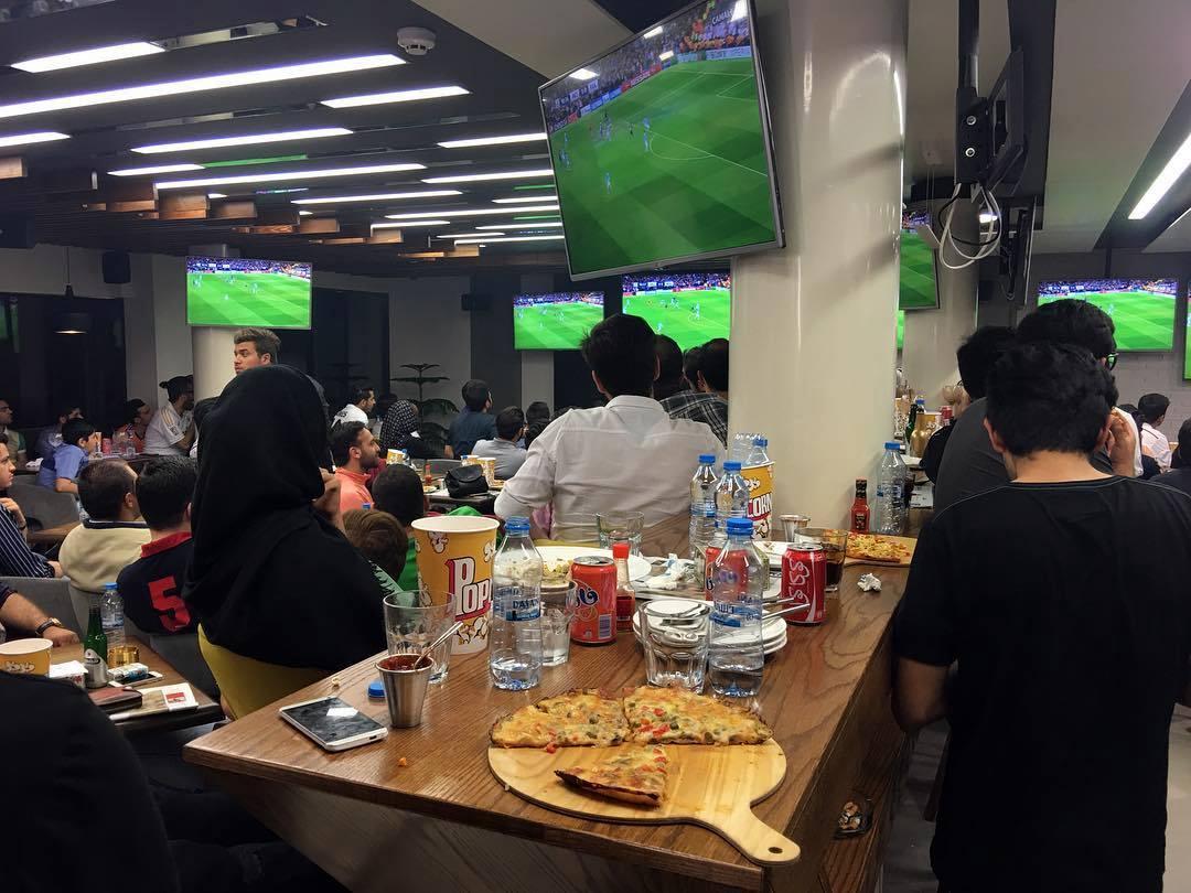 عقبنشینی پلیس: کافهها مجاز به پخش مسابقات فوتبالند