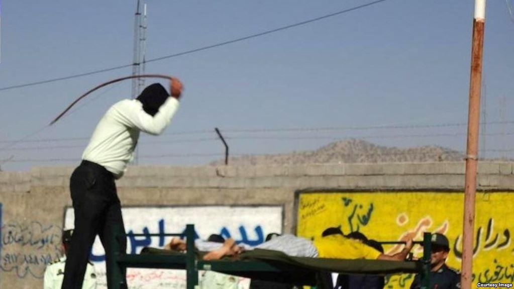 اجرای حکم 74 ضربه شلاق در ملاء عام در ملایر
