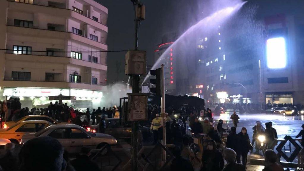کشته شدن حداقل شش نفر در تجمع های اخیر