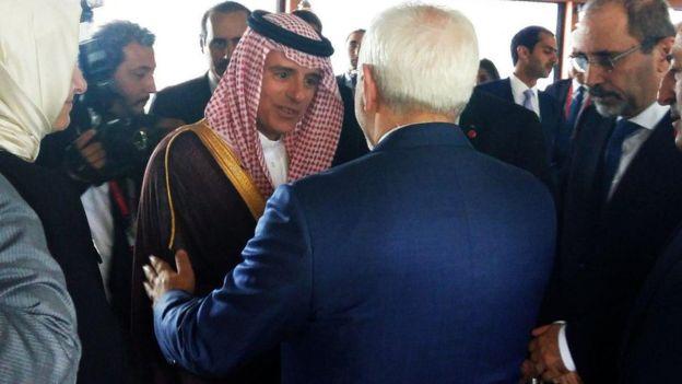 هم آغوشی وزرای خارجه ایران و عربستان