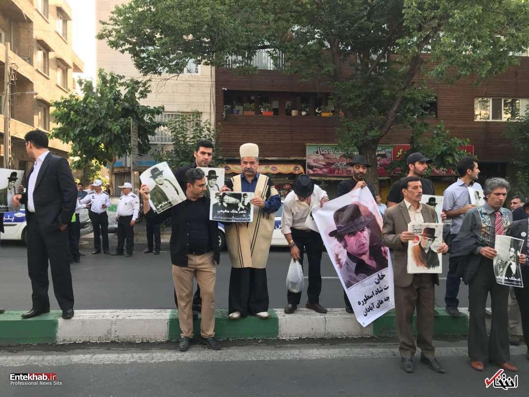آغاز مراسم تشییع ناصر ملک مطیعی با حضور تعدادی از زیادی از مردم