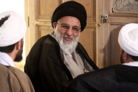 تکذیب نامه شاهرودی به رهبری برای تایید صلاحیت احمدی نژاد