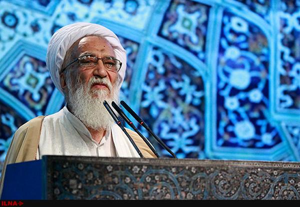 درخواست پخش زنده مناظره ها از تریبون نماز جمعه