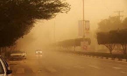 ادارات اهواز بر اثر گرد و غبار تعطیل شد