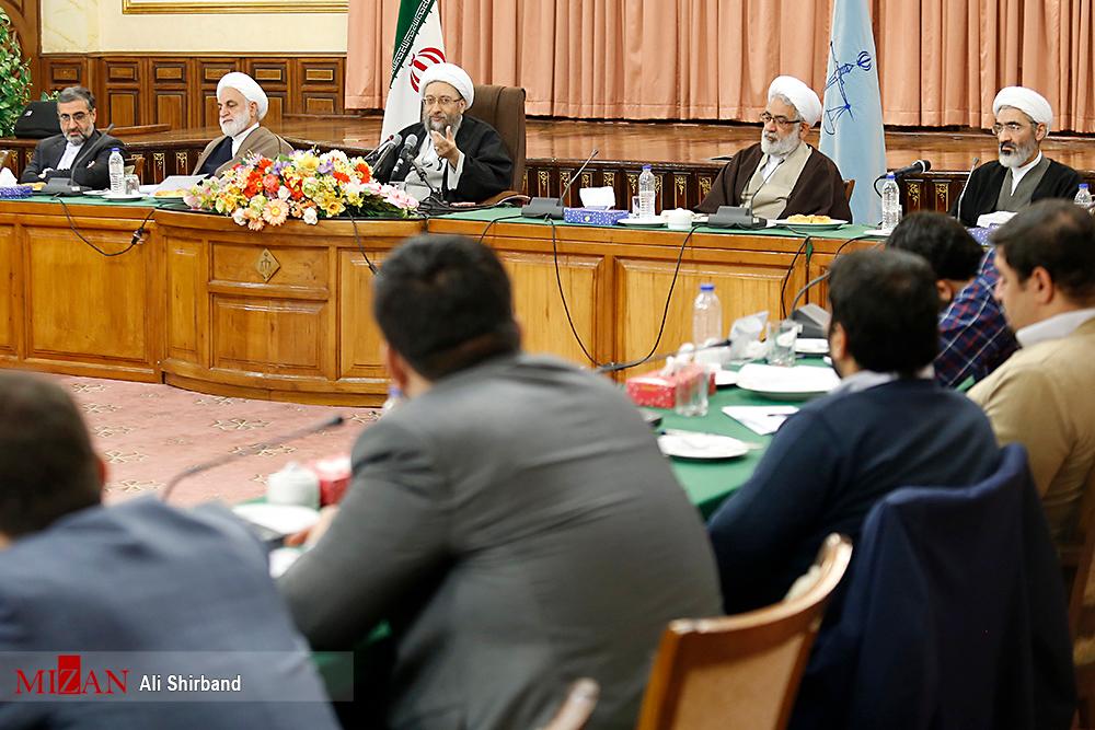 پاسخ تند صادق لاریجانی به احمدینژاد: فتنهگر جدید دروغگو