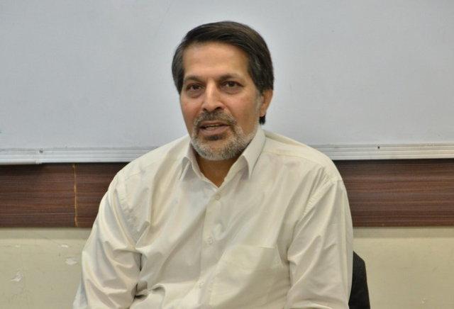 امتیازهای کابینه روحانی نسبت به کابینه خاتمی از دیدگاه عماد الدین باقی