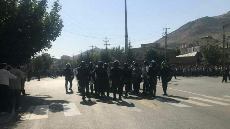 درگیری پلیس با معترضان به کشتن دو کولبر