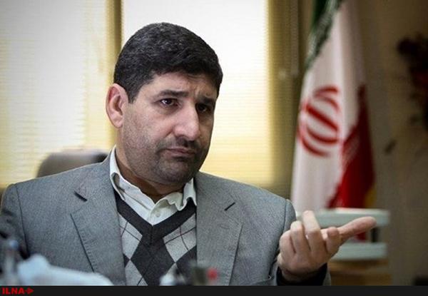 انتقاد از نهادهای فرهنگی زیر نظر رهبری