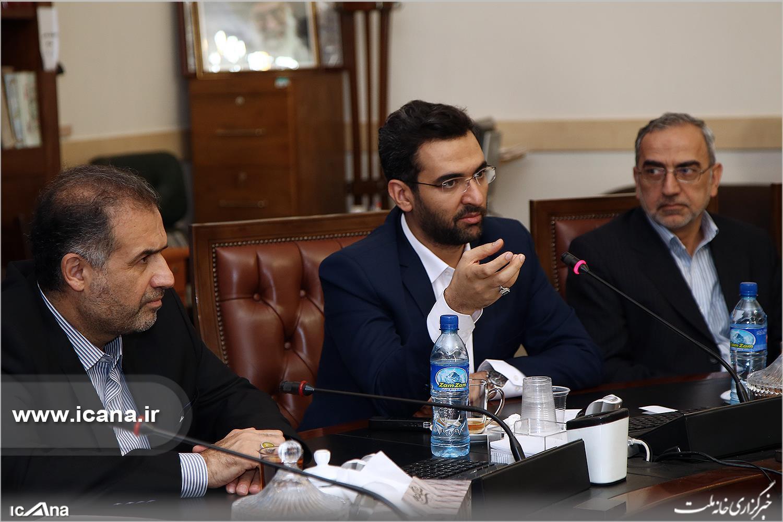 حامیان لاریجانی: به سه وزیر رای نمی دهیم