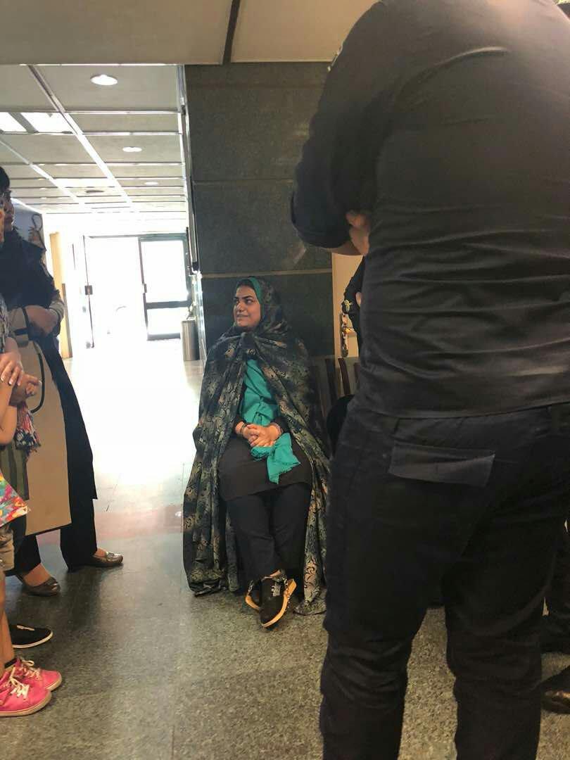 یکی از زنان دراویش بستری شد