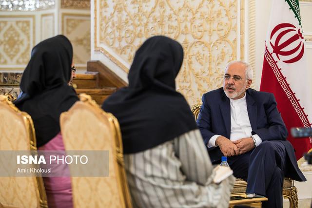 ابراز امیدواری ظریف برای انتخاب دو سفیر زن در دولت دوازدهم