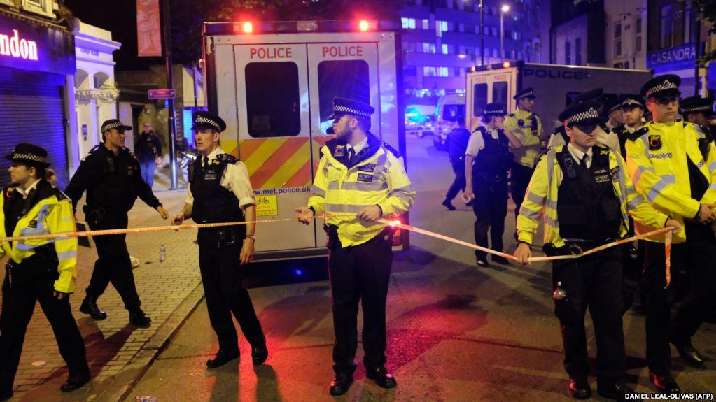 یک کشته چند زخمی در پی برخورد خودرو به عابران پیاده در لندن