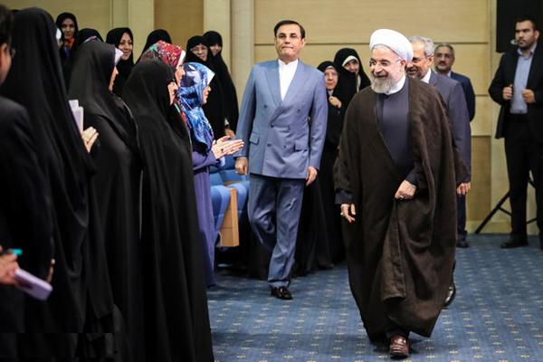 درخواست ۱۷۵ نماینده مجلس از روحانی برای معرفی وزیر زن
