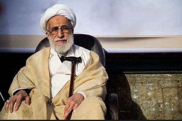 توصیه جنتی به روحانی: دولت را سیاسی نکن