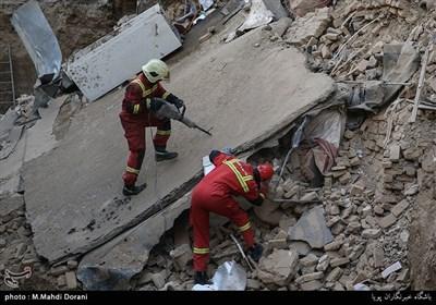 افزایش تعداد قربانیان زلزله به ۴۷۴ نفر