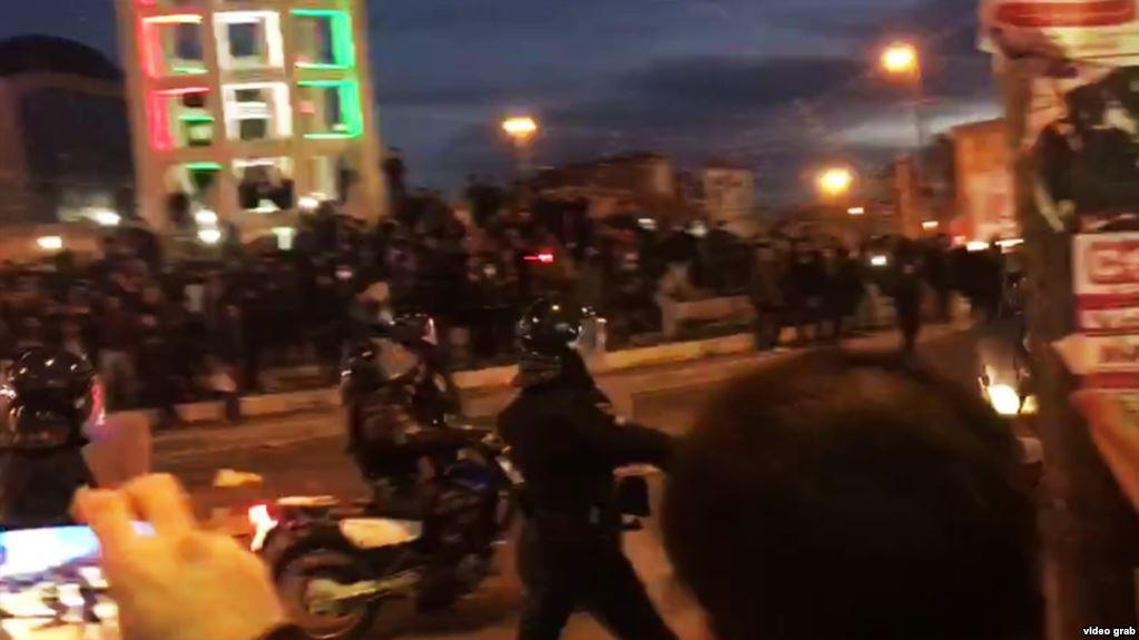 معاون سیاسی - امنیتی استاندار لرستان کشته شدن دو تن در تظاهرات دورود را تایید کرد