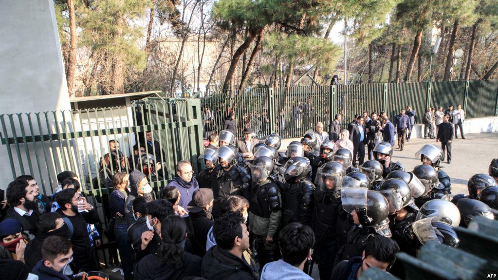 دستگیری صدها نفر در تجمع های اخیر