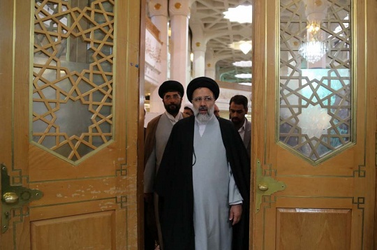 رئيسی: آستان قدس دنبال منافع اقتصادی نیست