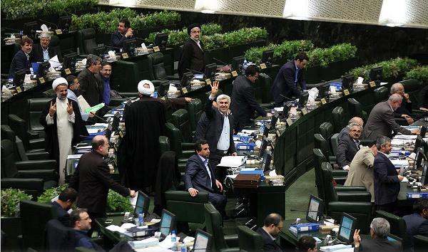 محمود صادقی: نمایندگان بین ۱۷ تا ۲۱ میلیون دریافتی دارند