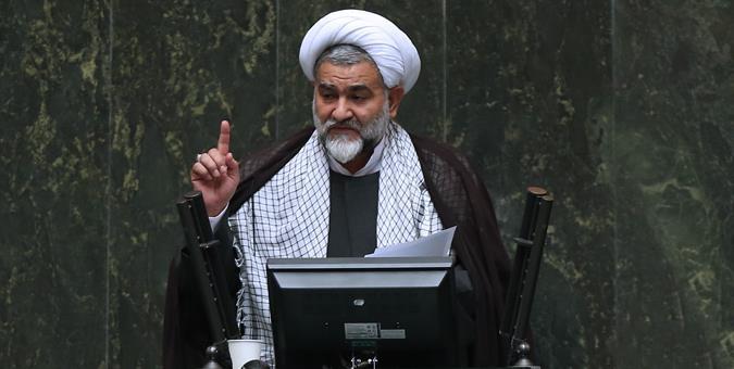 نماینده مجلس: زندانیها از بار گناه دق کردهاند
