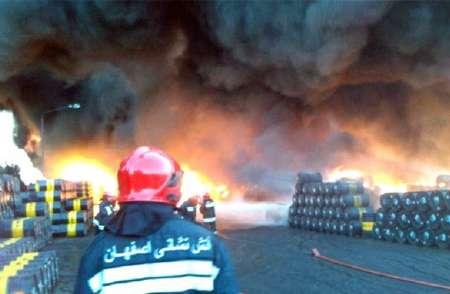 «آتش سوزی پالایشگاه اصفهان خسارت قابل توجهی نداشت»
